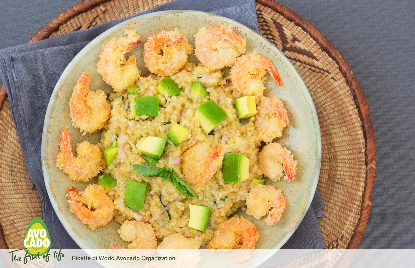 Quinoa fumè con avocado e gamberi