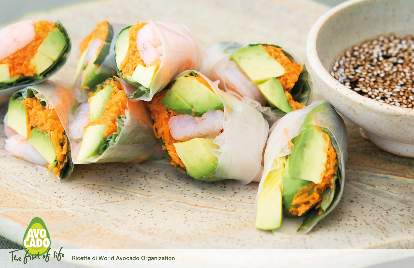 Involtini primavera vietnamiti con avocado e gamberetti